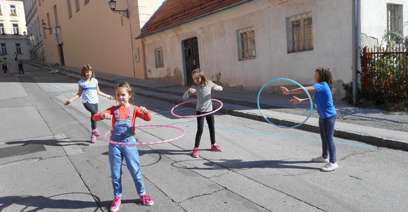 Ulice_otrokom