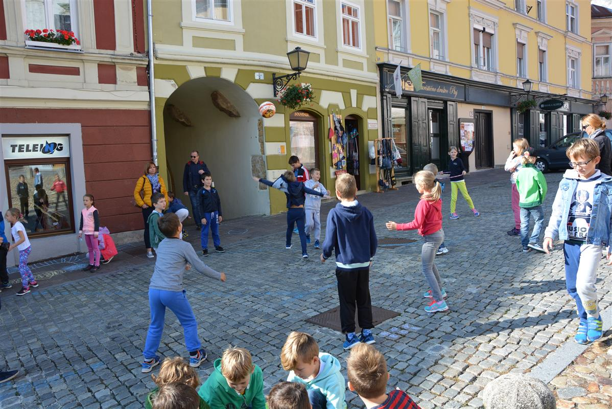 2016_09_22_ulice_otrokom-2