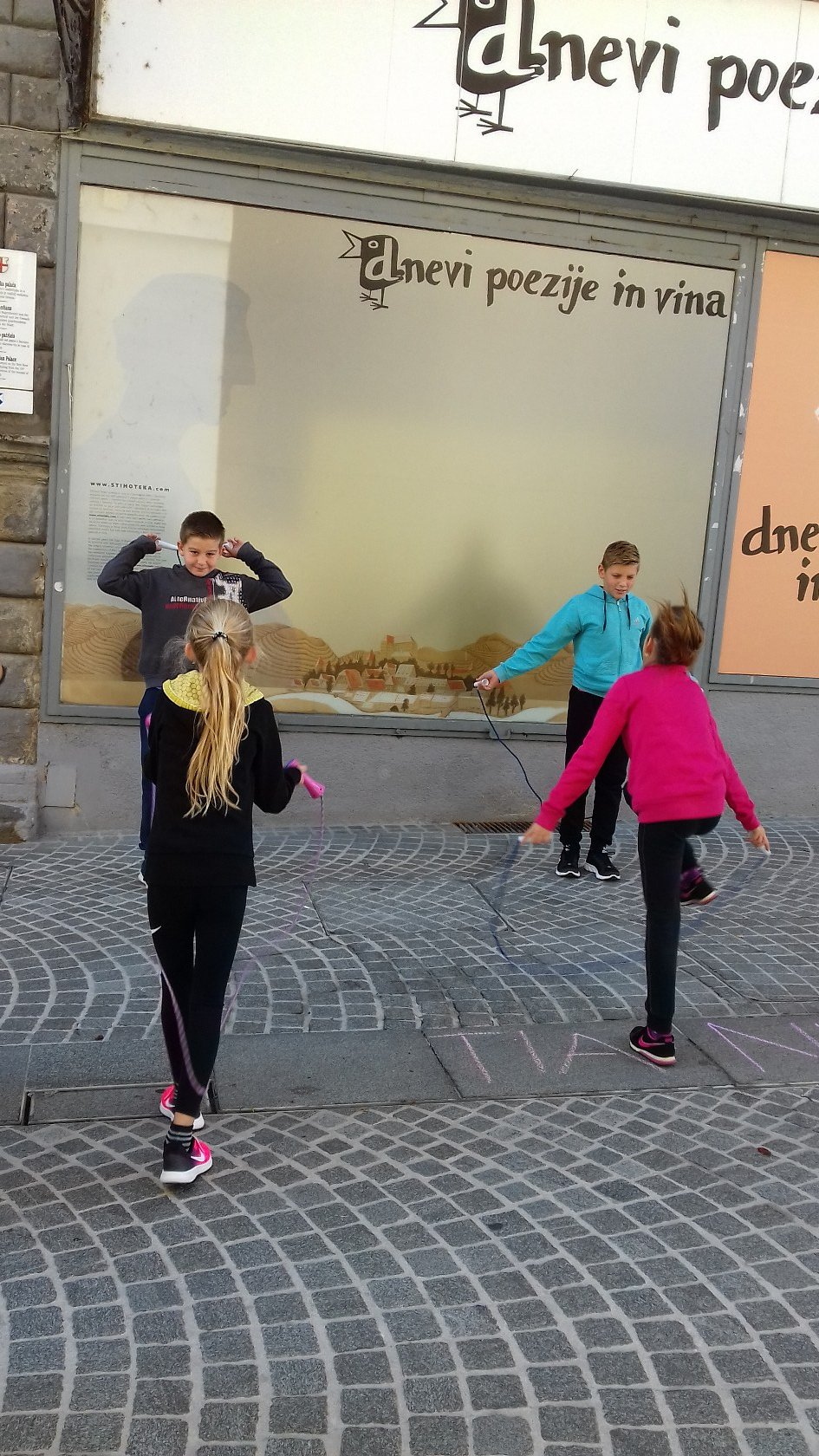2017_09_22_ulice_otrokom-1