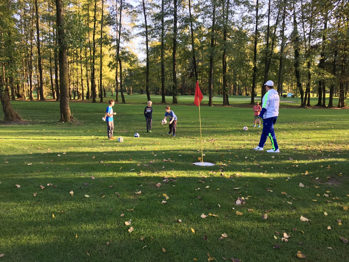 2017_10_19_footgolf-8
