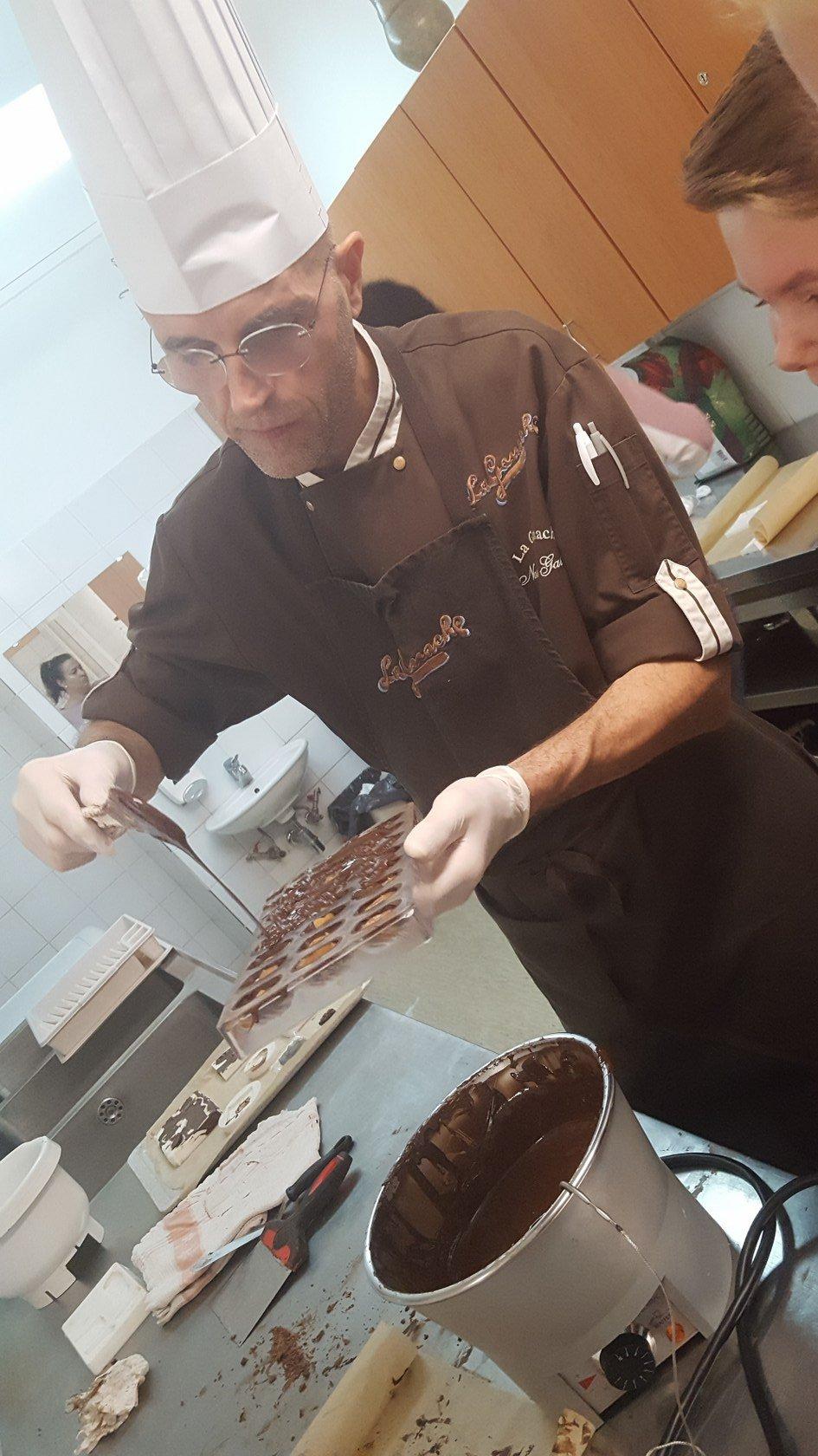 2019_11_12_delavnica_izdelave_cokoladnih_pralin-30