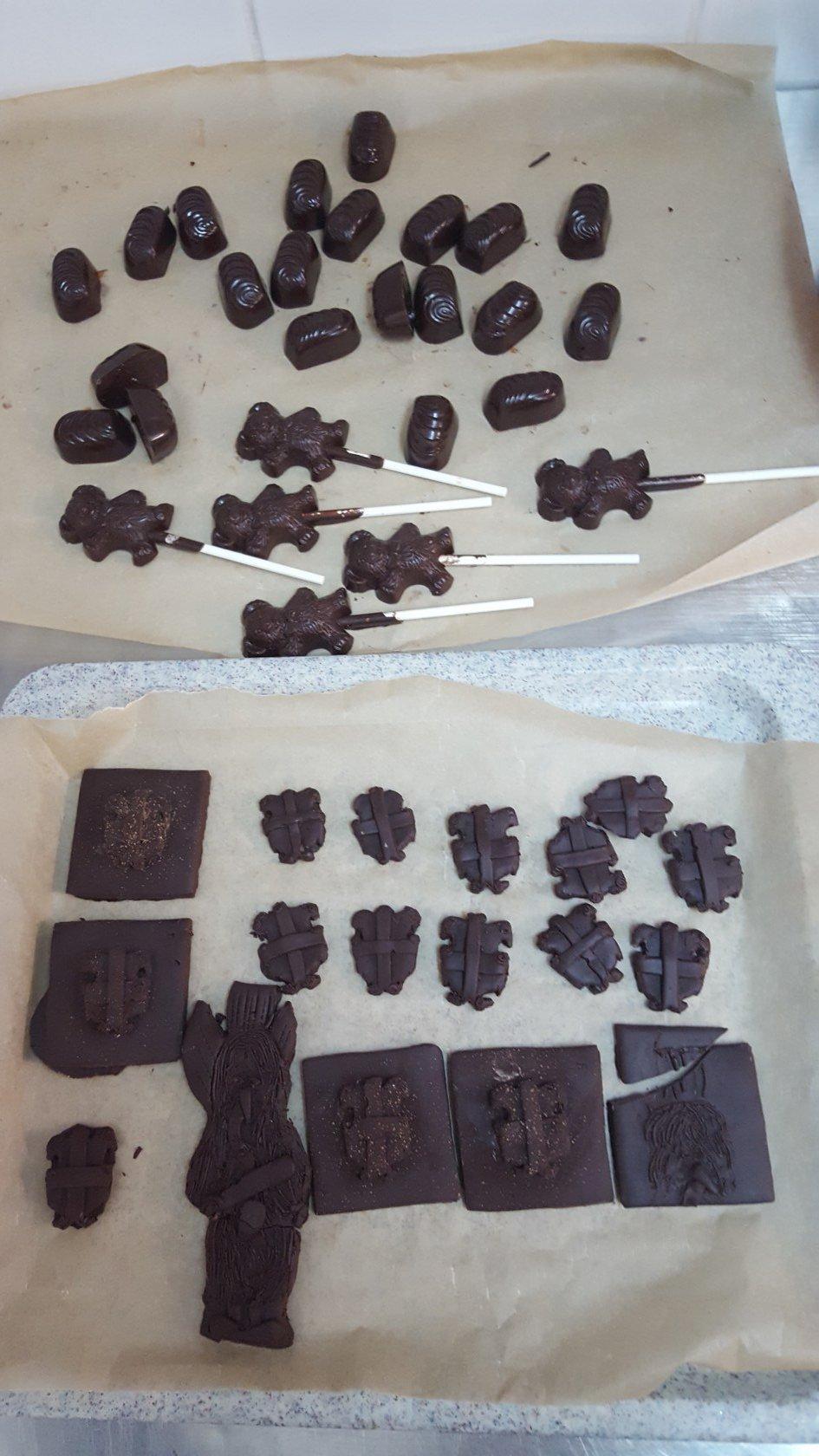 2019_11_12_delavnica_izdelave_cokoladnih_pralin-60