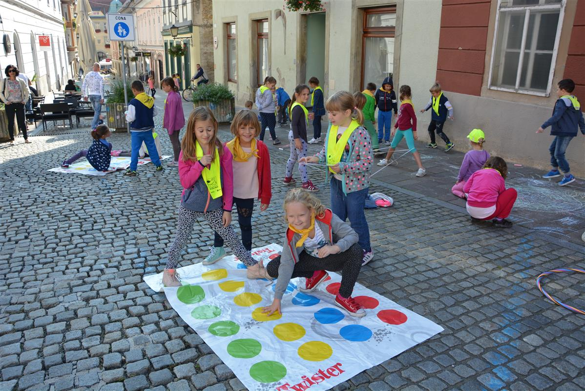 2016_09_22_ulice_otrokom-11