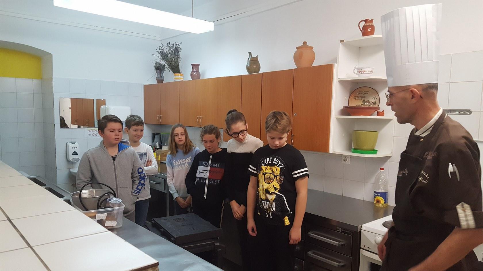 2019_11_12_delavnica_izdelave_cokoladnih_pralin-6